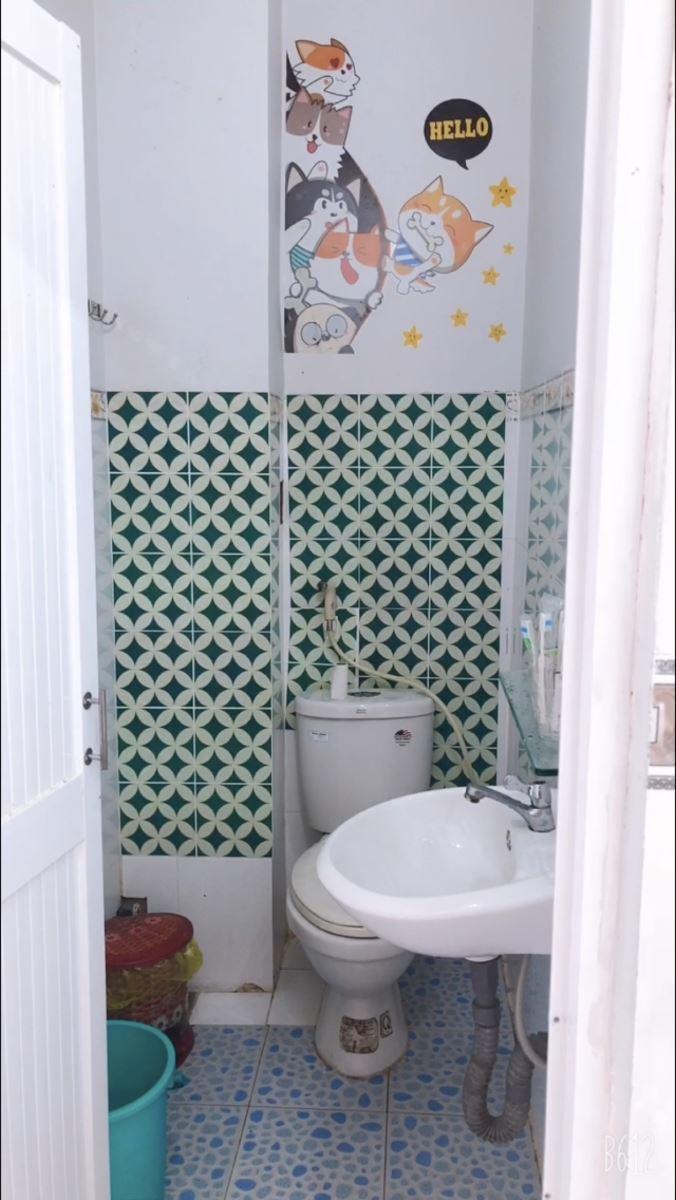 toilet phòng nghỉ Hoàng Gia Đảo Nam Du